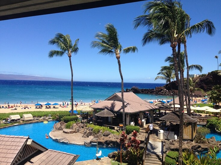 The pool area at the Sheraton Maui with Black Rock in the background