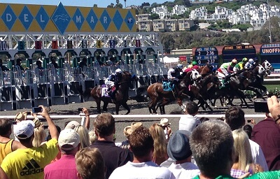 Horse leave the starting gate