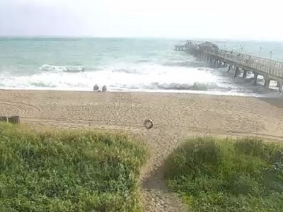 View of the beach and pier in Lauderdale by the Sea