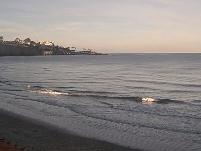 Live webcam view the beach at La Jolla Shores and the point in the background